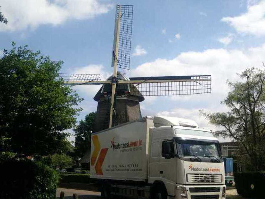 Mudanzas Holanda verhuizingen International Paises Bajos nederland Moving International Removals to holland